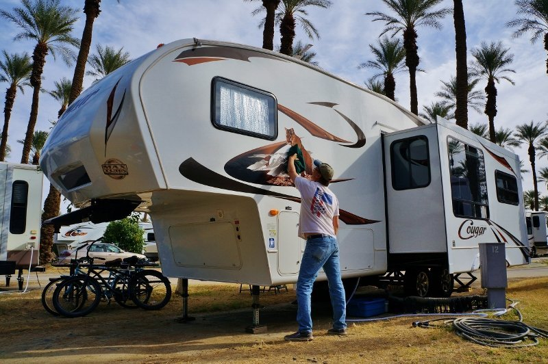 How To Fix The Side Seams On A Travel Trailer