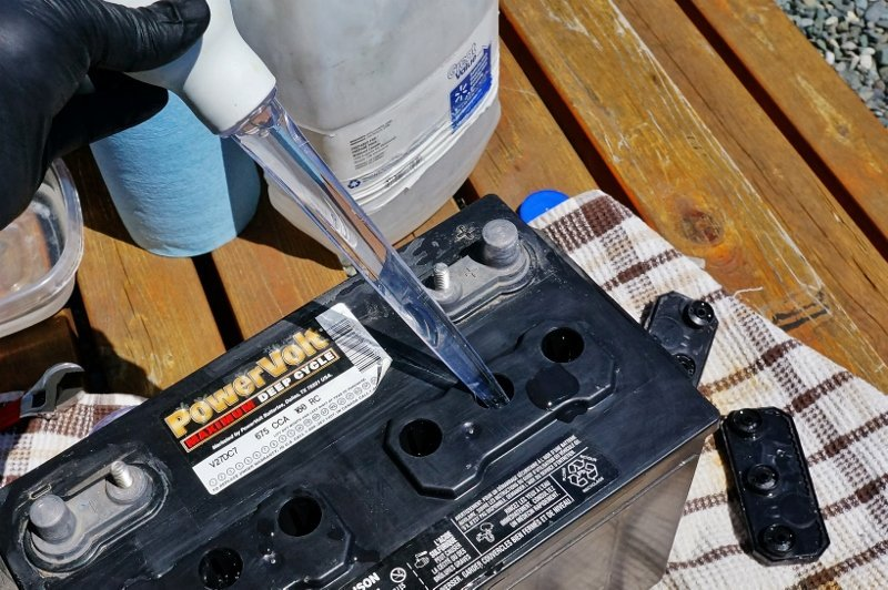 Filling the Battery Cell with Distilled Water