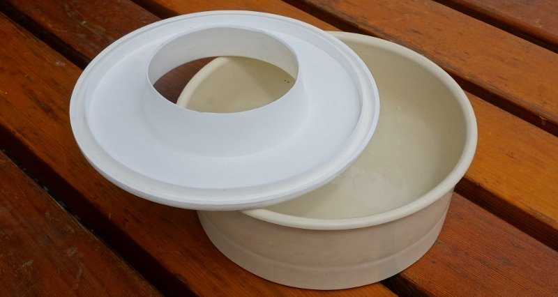Dog Bowl and anti spill lid
