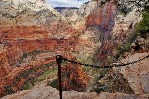 Angels Landing trail view