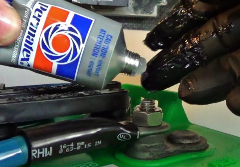 Adding Dielectric Grease