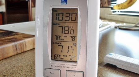 Outdoor Wireless Thermometer monitor plumbing pipe temps