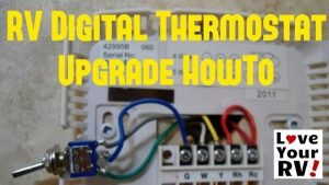 Hunter 42999B Digital RV Thermostat feature photo