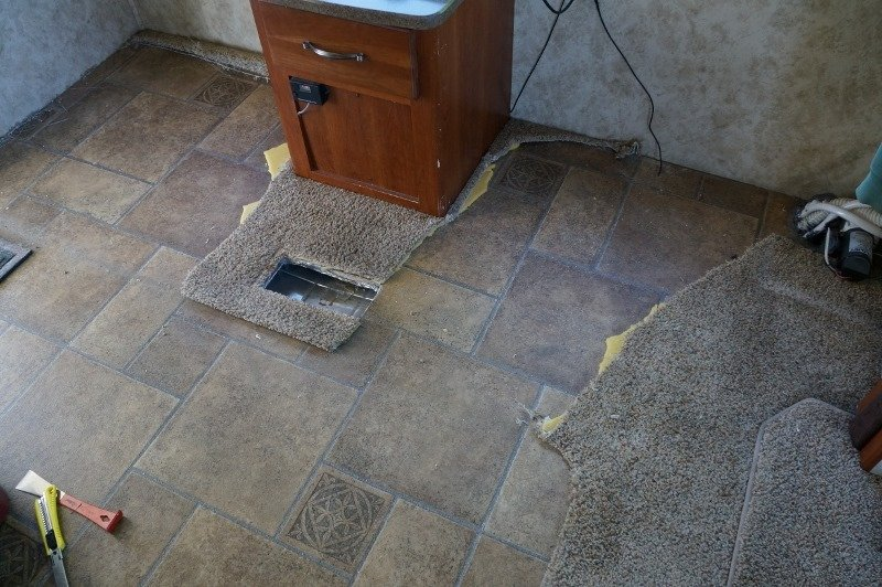 Ripping Out My Fifth Wheels Rv Carpet