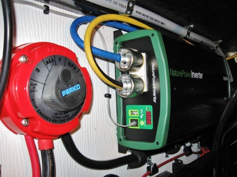My friends awesome 580 watt rv solar power system battery switch and naturepower inverter publicscrutiny Gallery