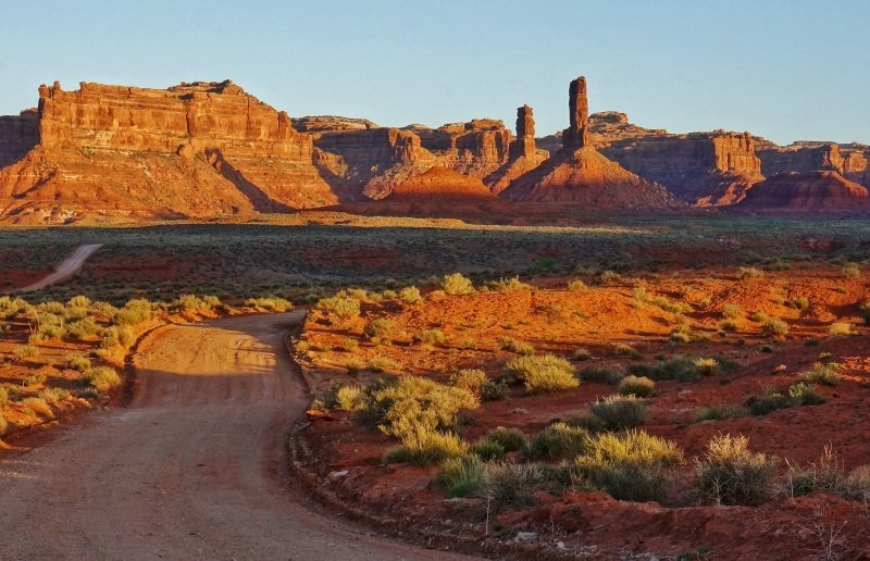 Valley of the Gods dirt roadway