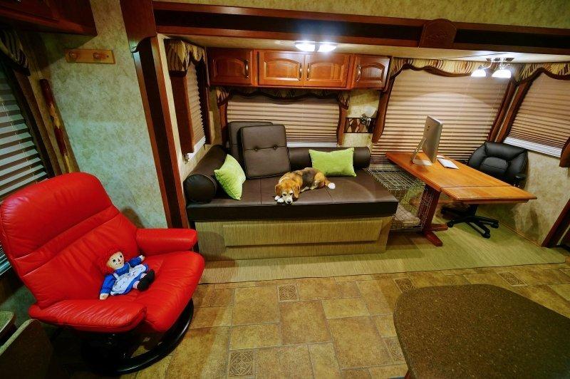 RV Reno Complete