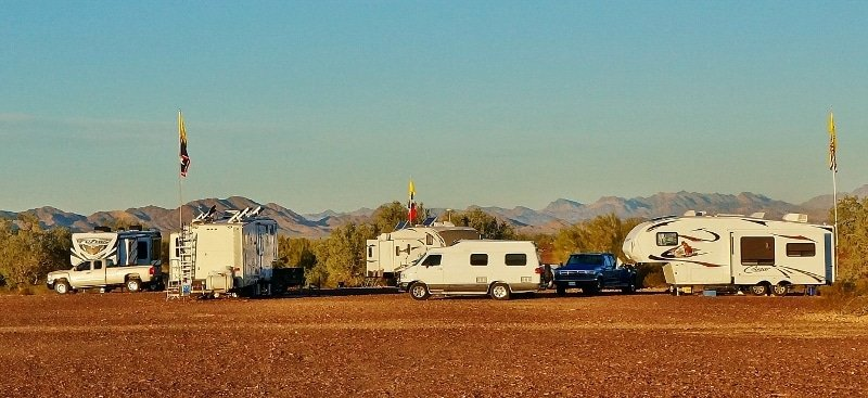 Dry Camping with RVing friends in Quartzsite AZ