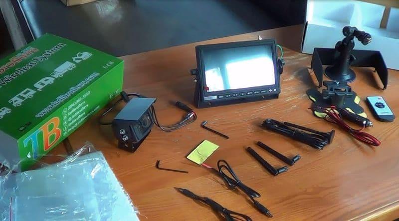 unboxed-tadibrothers-backup-camera