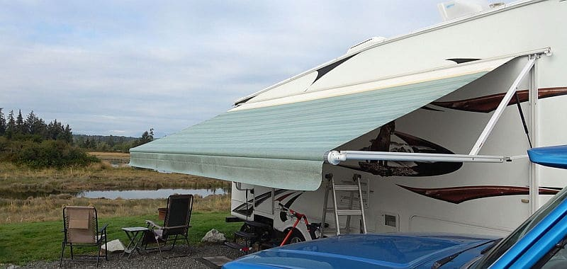Keystone Cougar Dometic 9100 Awning