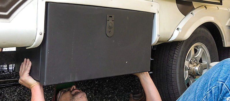 Mounting the Solid Step Storage Box