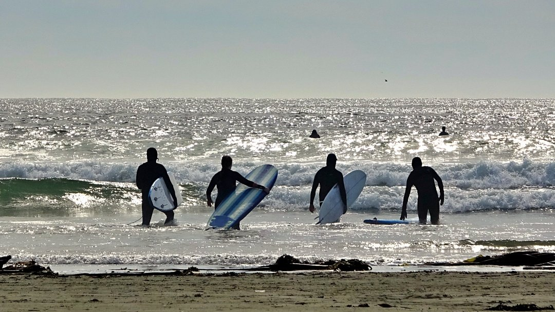 Surfers Long Beach 1080